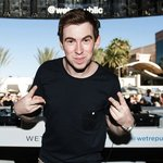 "Hardwell celebrated the 300th episode of ""Hardwell On Air"" with an impressive live stream and a bunch of special guests!"